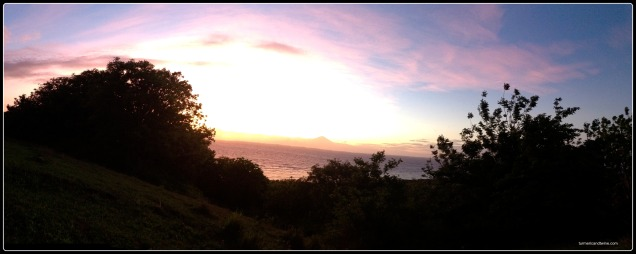 Gili sunset panorama 2